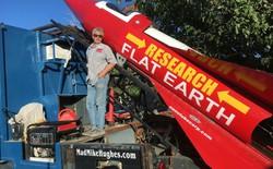 Cuối tuần này, bác già 61 tuổi sẽ dùng tên lửa tự chế bay lên không để chứng minh Trái Đất này là phẳng