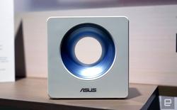 """[Computex 2017] Asus vừa """"đục"""" một cái lỗ rất to ở giữa router Wifi mới của họ"""