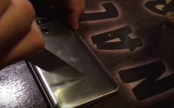 LG G6 thử khả năng chống xước trong quán bar
