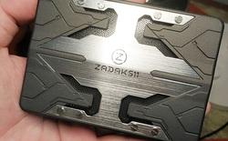 """Cuối tuần tặng bạn đọc ổ SSD """"cá bảy màu"""" trong bộ giáp sắt ZADAK511 SHIELD RGB 120GB"""
