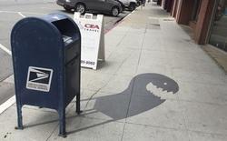 [Vui] Những chiếc bóng đổ khiến người qua đường như lạc giữa thế giới hoạt hình của Tim Burton