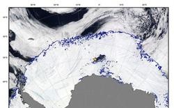 Xuất hiện hố nước bí ẩn ở Nam Cực rộng gấp 40 lần TP Hồ Chí Minh