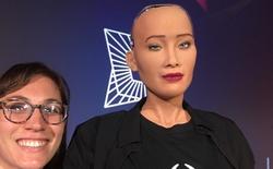 Tôi đã gặp Sophia - công dân robot đầu tiên của thế giới và cách cô ấy nói lời tạm biệt đều khiến trái tim mọi người tan chảy