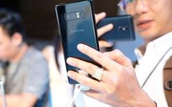 Giá smartphone tăng cao nhất trong lịch sử, người mua vẫn không giảm
