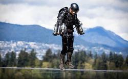 """Iron Man ngoài đời thực lập kỷ lục Guinness """"bộ giáp"""" bay nhanh nhất thế giới: hơn 50km/giờ dù lao xuống nước lúc cuối"""