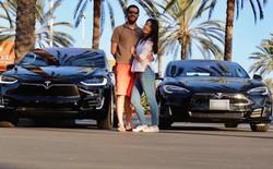 Tận dụng dịch vụ Airbnb cho xe hơi, cặp đôi này sở hữu hai xe Tesla đắt tiền mà không tốn một xu lại còn dư tiền tiêu xài