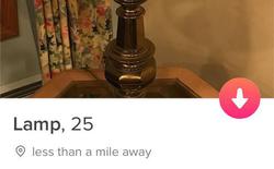 Dùng Tinder để... bán đèn, cô gái được vô số anh chàng để ý