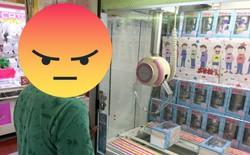 """Nhật Bản: Chủ cửa hàng bị bắt sau khi """"hack"""" máy gắp quà, khiến người chơi không thể thắng nổi"""