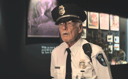 """Mừng sinh nhật lần thứ 95, """"Bố già Marvel"""" Stan Lee bị trộm cuỗm hơn 300.000 USD"""