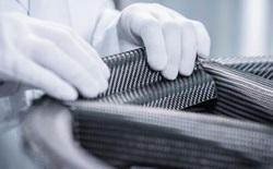 """Porsche sử dụng cỗ máy """"tối tân"""" này để chế tạo bánh xe bằng sợi carbon siêu bền"""