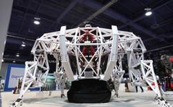 Không chỉ muốn tạo ra một robot có người lái bên trong, người đàn ông này còn muốn tạo nên một giải đua người máy