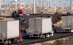 Các công ty đang tạo ra nhiều dữ liệu đến mức phải chất chúng vào xe tải để chuyển lên cloud
