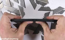 Video tra tấn Razer Phone: cào xước, đốt nóng và bẻ cong