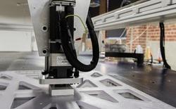 Tại nhà máy của adidas, con robot làm áo siêu nhanh này sẽ cướp đi hàng nghìn việc làm