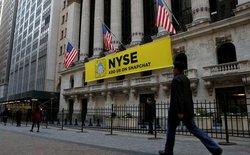 Các sàn chứng khoán Mỹ thuê trực thăng, phủ banner để tranh giành phiên IPO của Snapchat