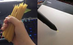 Không có tiền thay ngòi bút Wacom, hãy dùng... mì Spaghetti!