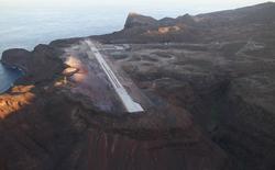 """""""Sân bay vô dụng nhất thế giới"""" vừa đón chuyến bay đầu tiên sau hơn một năm đi vào hoạt động"""