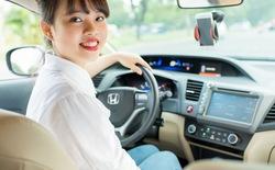 Hiệp hội Taxi Hà Nội kiến nghị dán tem lên xe Uber, Grab
