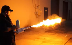 Elon Musk chuyển sang bán súng phun lửa?