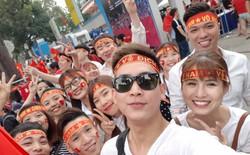 Cuồng nhiệt cổ vũ đội tuyển U23 Việt Nam qua camera selfie kép trên Galaxy A8