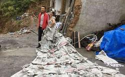 """Tự chế váy cưới tuyệt đẹp từ 40 vỏ bao xi măng, cô nàng Trung Quốc được tán dương là """"Nữ hoàng Xi măng"""""""