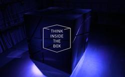 Lockheed Martin đặt một cái hộp đen bí ẩn cao 4 mét trong khuôn viên trường đại học, sinh viên phải giải đố để mở được nó