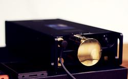 """Đây là máy nghe nhạc """"tích hợp AI"""" Sony DMP-Z1 đầu tiên về Việt Nam: núm mạ vàng, nặng như cục gạch, giá nhẹ nhàng bằng 7 chiếc iPhone XS Max!"""