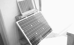 """Trang web """"low tech"""" chạy bằng năng lượng mặt trời, cứ hôm nào trời âm u là không truy cập được"""