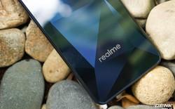 """Trên tay Realme 2: Khi Oppo quyết định """"khô máu"""" với Xiaomi"""