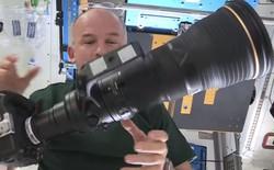 """Phi hành gia tại Trạm vũ trụ ISS dùng máy ảnh trị giá 'chỉ' 23.000 USD nhưng """"phí ship"""" lên tới 130.000 USD"""