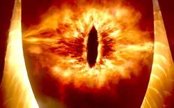 """Đỉnh tháp cao nhất San Francisco rực lửa với """"Con mắt của Sauron"""" trong dịp Halloween"""