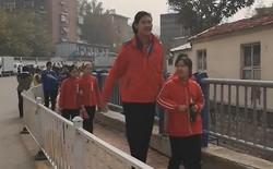 Hậu duệ của Yao Ming: Cô bé 11 tuổi đã cao 2 mét gây sốt MXH Trung Quốc