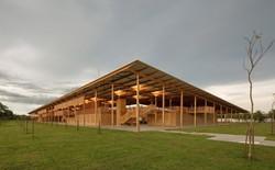 Ngôi trường làm từ gỗ và gạch bùn trong rừng nhiệt đới Brazil giành giải kiến trúc xuất sắc nhất thế giới 2018