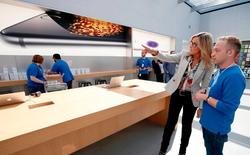 """""""Nữ tướng"""" này được trả lương gần gấp đôi CEO Tim Cook tại Apple"""