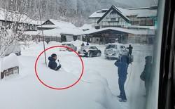 Bày trò lừa người xem rằng tuyết đã dày đến thắt lưng, nhà đài NHK của Nhật bị Internet chê cười