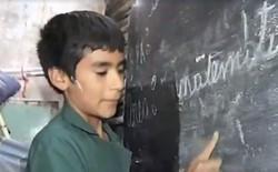 Câu chuyện phi thường của hiệu trưởng kiêm thầy giáo 12 tuổi, tự mở trường dạy chữ miễn phí cho trẻ em nghèo