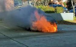 Xe điện Tesla Model S bất ngờ bốc cháy 2 lần liên tiếp mà không rõ lý do