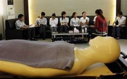 Những lớp học kỳ lạ có 1-0-2 trên thế giới: dạy cách lấy chồng giàu, hướng dẫn chăm sóc thi thể