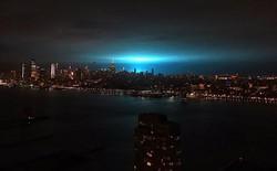 Nổ máy biến áp khiến bầu trời New York xanh rực, dân hết vía tưởng người ngoài hành tinh