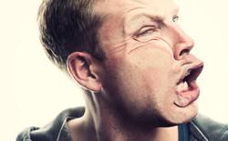 Nhân viên Apple Park thường xuyên đụng đầu vào tường do công trình này sử dụng kính quá trong