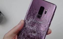 """Băm bổ Galaxy S9 bằng dao và búa: thực sự rất """"cứng đầu"""" trước các bài hành hạ"""