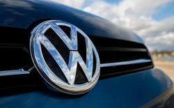 """Volkswagen vừa giáng cho Tesla một """"cú đấm năng lượng"""" trị giá 25 tỷ USD"""