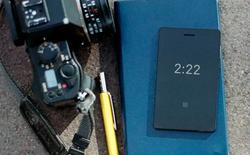 Điện thoại siêu tối giản Light Phone đã quay trở lại, nhỏ như chiếc thẻ tín dụng và bổ sung thêm tiện ích