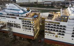Du thuyền 32.000 tấn của Italia bị cắt đôi như chiếc bánh ngọt để nối dài thân