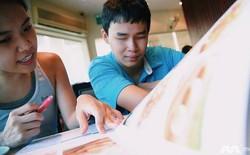 Chàng trai Việt 23 tuổi loại 400 hồ sơ, trở thành coder khiếm thị duy nhất trên toàn khu vực của Grab, làm việc tại trụ sở chính ở Singapore