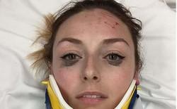 Review bút kẻ mắt bằng cách selfie dù đang nằm viện, cô gái được Internet tán thưởng