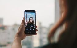 Bộ ảnh Selfie vòng quanh thế giới của bạn trẻ này thực ra chỉ cần chụp ở nhà
