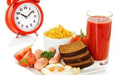 Vừa ăn xong một bữa, bạn nên đợi bao lâu để ăn bữa tiếp theo?