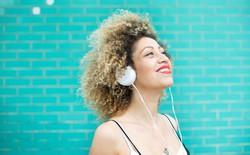 Dù chẳng phải hit lớn nhưng sao nhiều người cứ tua đi tua lại chỉ để nghe mãi 1 bản nhạc mà không chán