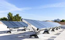Nước Úc bỏ nửa triệu USD để lắp đặt 150 máy tạo ra nước từ không khí, chạy bằng năng lượng Mặt Trời